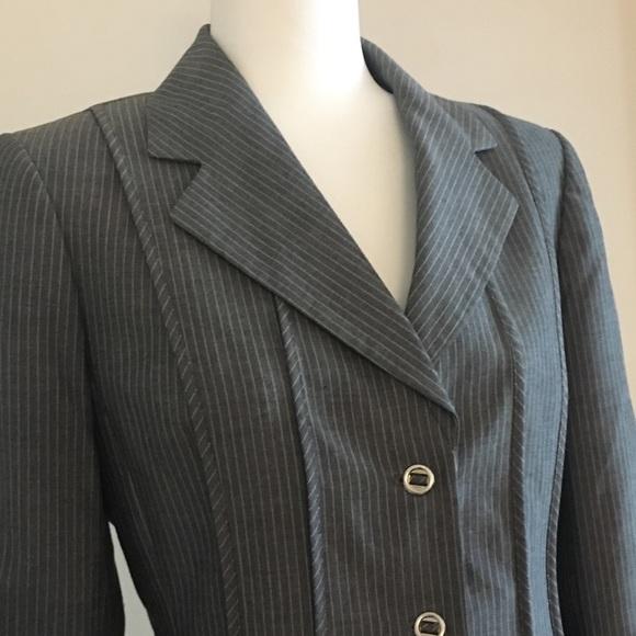 Tahari Jackets & Blazers - Tahari pantsuit pinstripe lined structured blazer